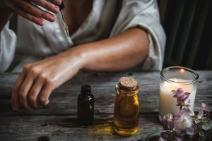 Ne pas utiliser les huiles essentielles pures sur la peau
