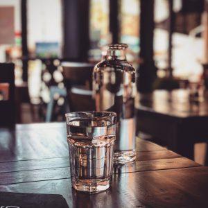 Un de nos conseils pour éviter les vergetures, boire beaucoup d'eau régulièrement tous les jours